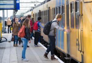 de trein in het leerlingenvervoer